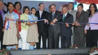El presidente Danilo Medina entregó este miércoles tres escuelas en […]