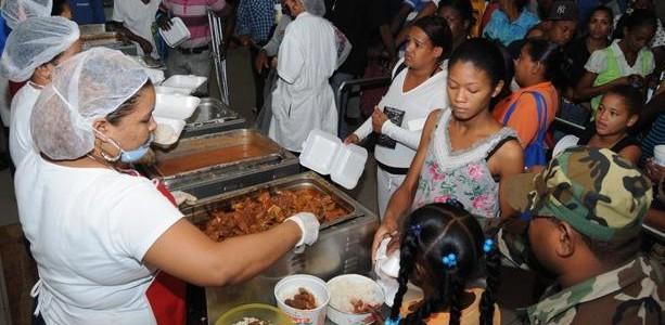 Comedores Económicos servirán este viernes comida gratis para miles
