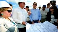 El ministro de la Presidencia, Gustavo Montalvo, junto a los […]