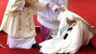 POLONIA.- El papa Francisco tropezó ante miles de personas mientras […]