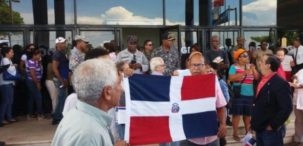Un grupo de nacionalistas se concentró la mañana de este […]