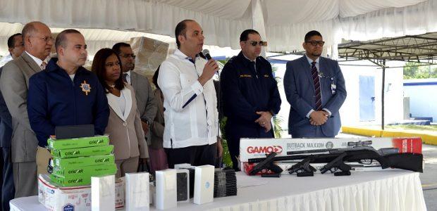 SANTO DOMINGO.- La Dirección General de Aduanas (DGA) decomisó en […]