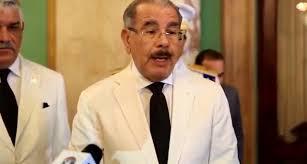 El presidente Danilo Medina dijo que cada semana llegan al […]