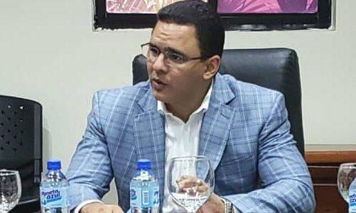 Agentesde la DirecciónCentral de Antinarcóticos (DICAN) en Salcedo, apresaron aun […]