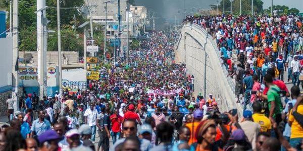 Los haitianos, convocados por sectores de oposición y organizaciones sociales, […]