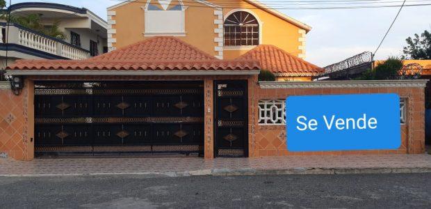 Lic. Felix Matos vende amplia y cómoda casa, posee 346mt2, […]