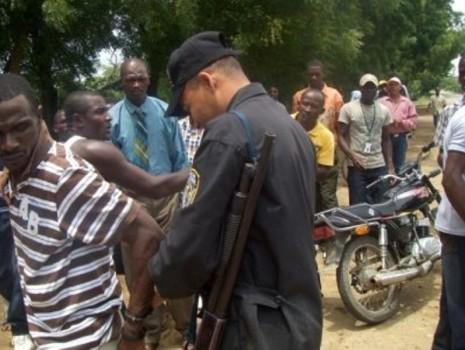 Spread the love Dulce Jiménez Moca, provincia Espaillat La magistrada Rosa Molina dictó un mes como medida de prisión preventiva para dos de los haitianos acusados de ultrajar la bandera […]