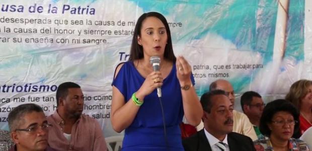 Yadira Marte aboga por deportación masiva y muro Share on: […]